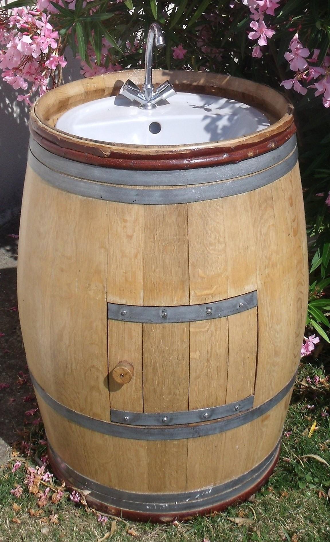 Meuble En Tonneau De Vin tonneaux meuble salle de bains juls design